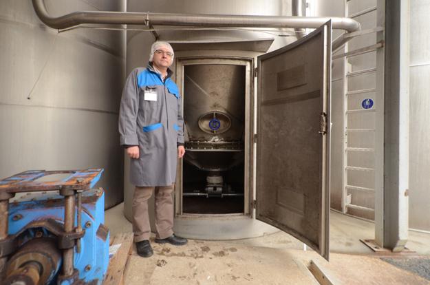 fond-vibrant-demontable-silo-farine