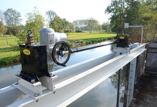 vanne-riviere-guillotine-menthon-motoreducteur
